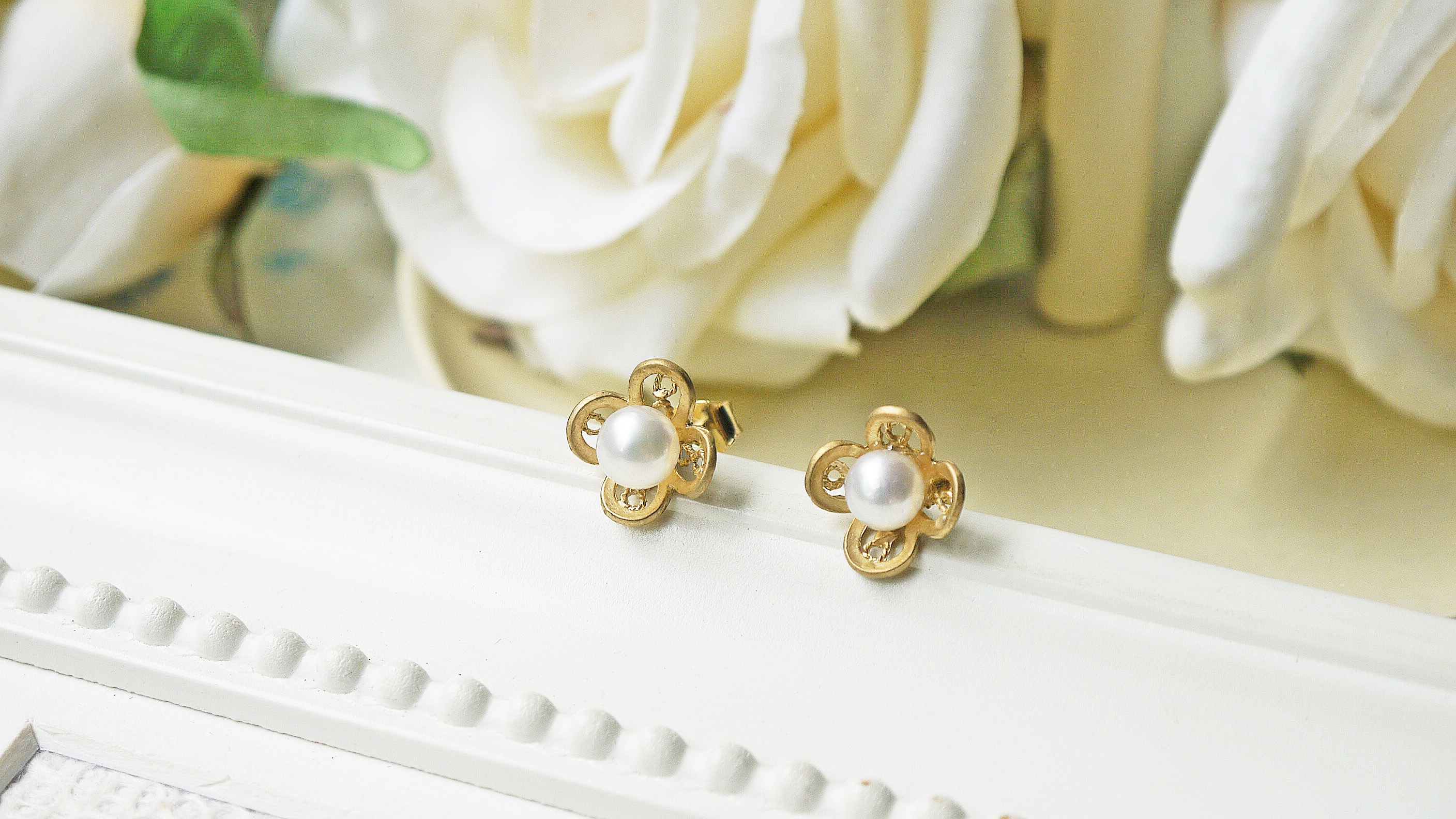 Matte Gold White Freshwater Pearl Flower Filigree Post Earrings ...